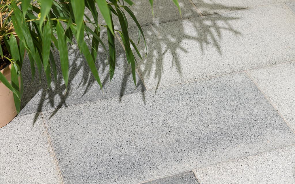 Altano Terrassenplatte grau-anthrazit-nuanciert
