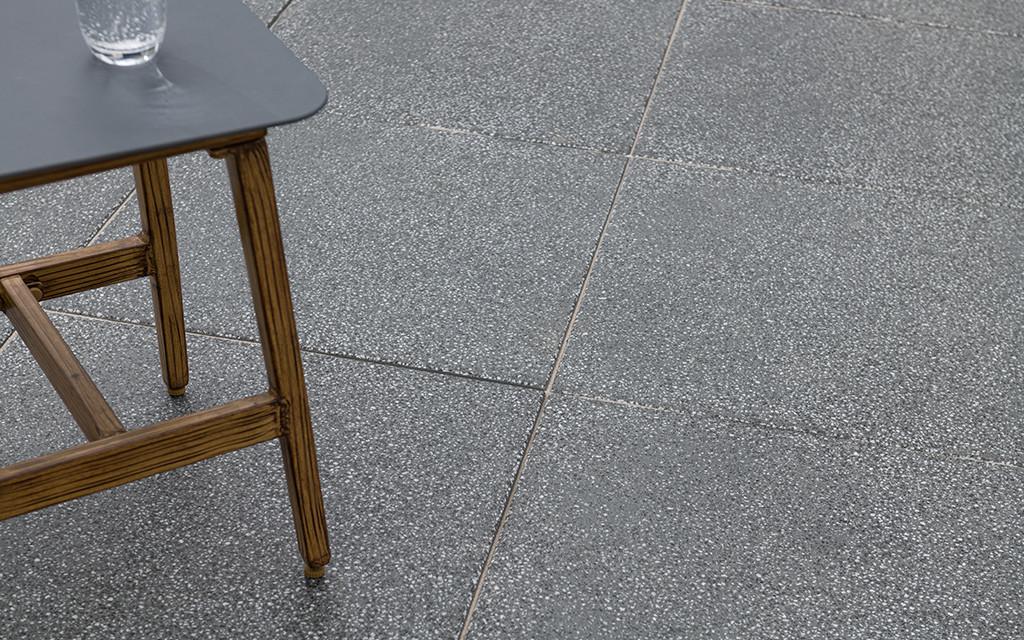 Terrassenplatte quadratisch anthrazit