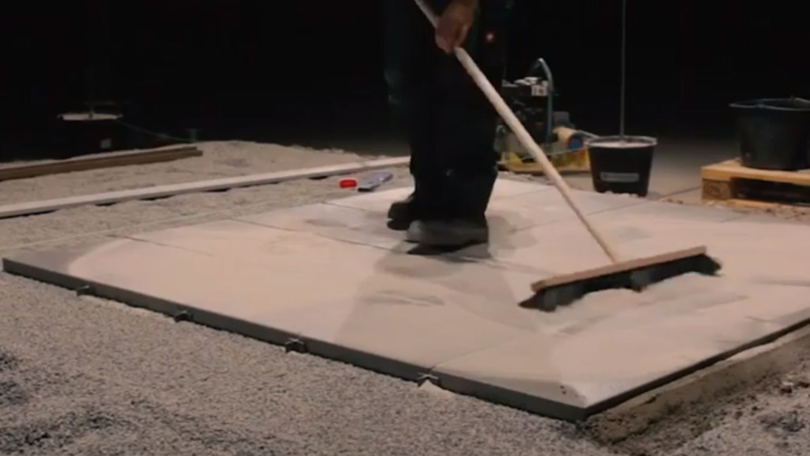 Fugen einkehren Terrassenplatten