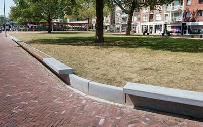 Grünumrandung mit Sitzbank Beton