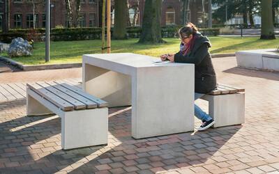 Parktisch mit Sitzbänken Schulhof robust