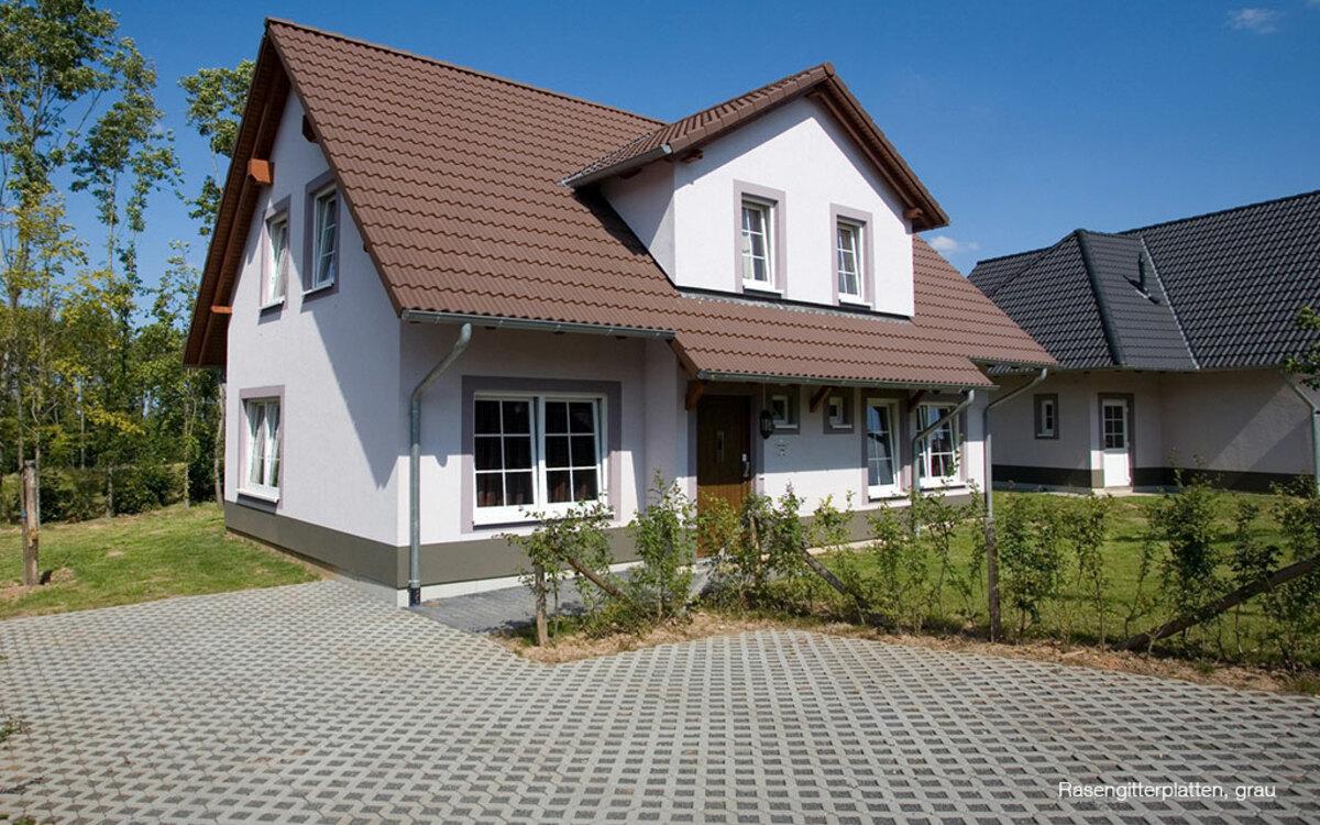 Hofeinfahrt Einfamilienhaus Öko-Pflaster