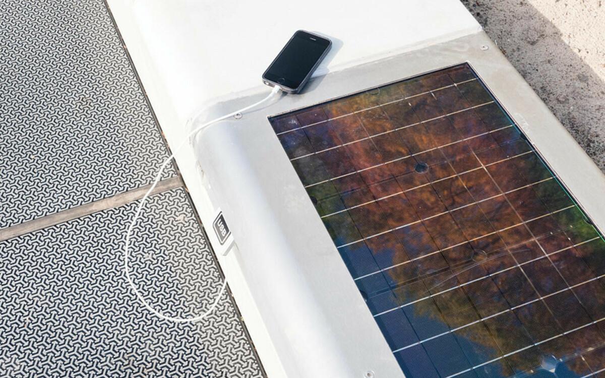 Solar Parkbank mit Strom Stecker