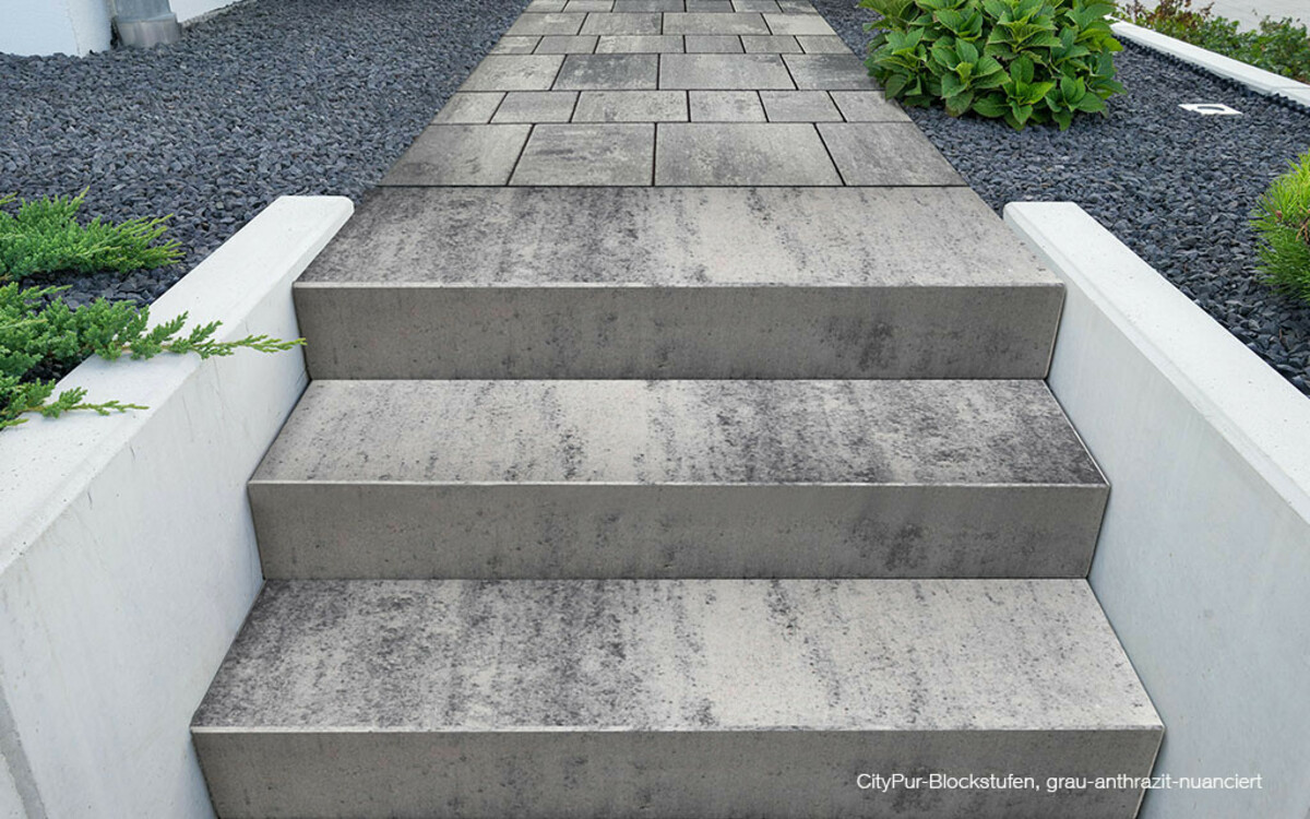 Treppenstufen grau-anthrazit-nuanciert