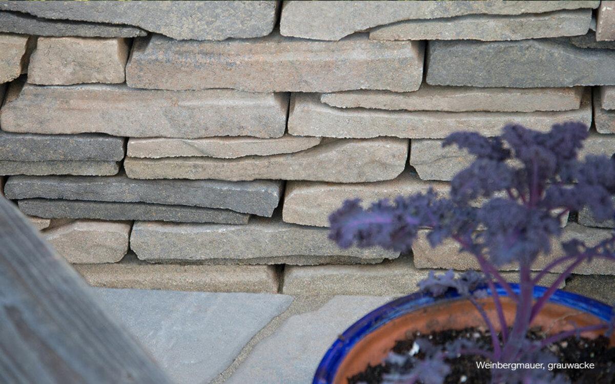 Trockenmauer aus Beton