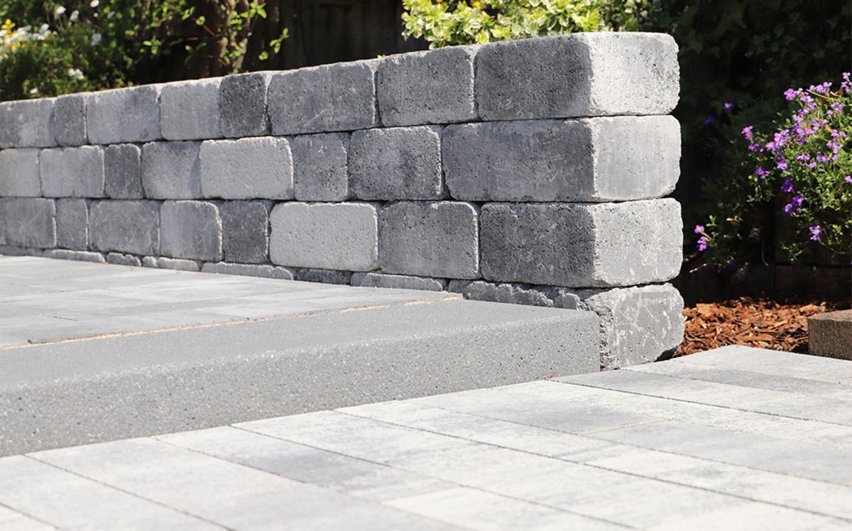 CityAntik Mauer und Voltana Pflaster