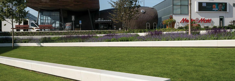 De Esplanade Almere Sitzbank Beton in Hang