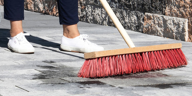Terrassenplatten imprägnieren und sauber halten