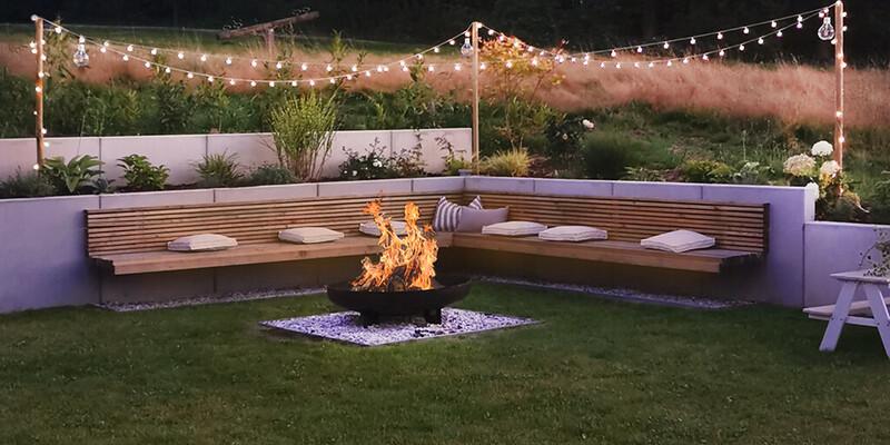 Lounge im Garten Stützwinkel Sitzecke mit Feuerstelle
