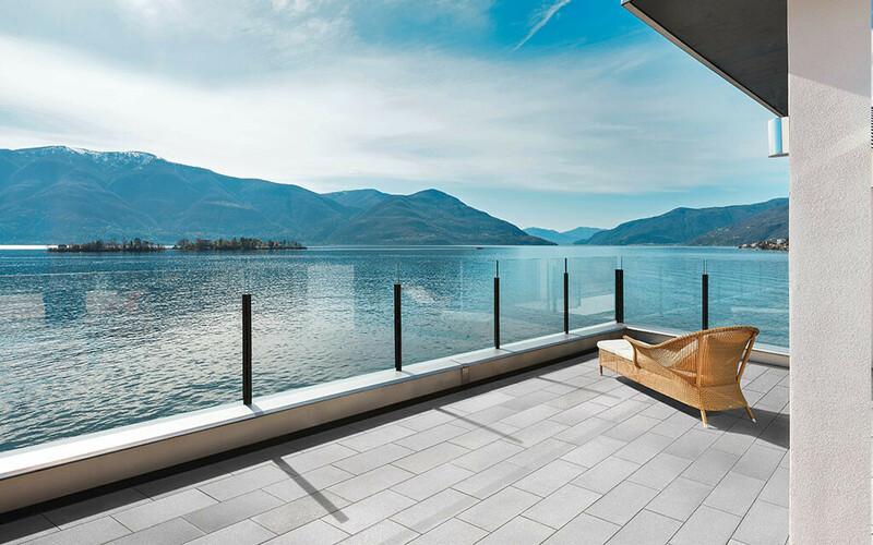 Samtweiche Terrassenplatte mit Glimmereffekt EstaraFeel