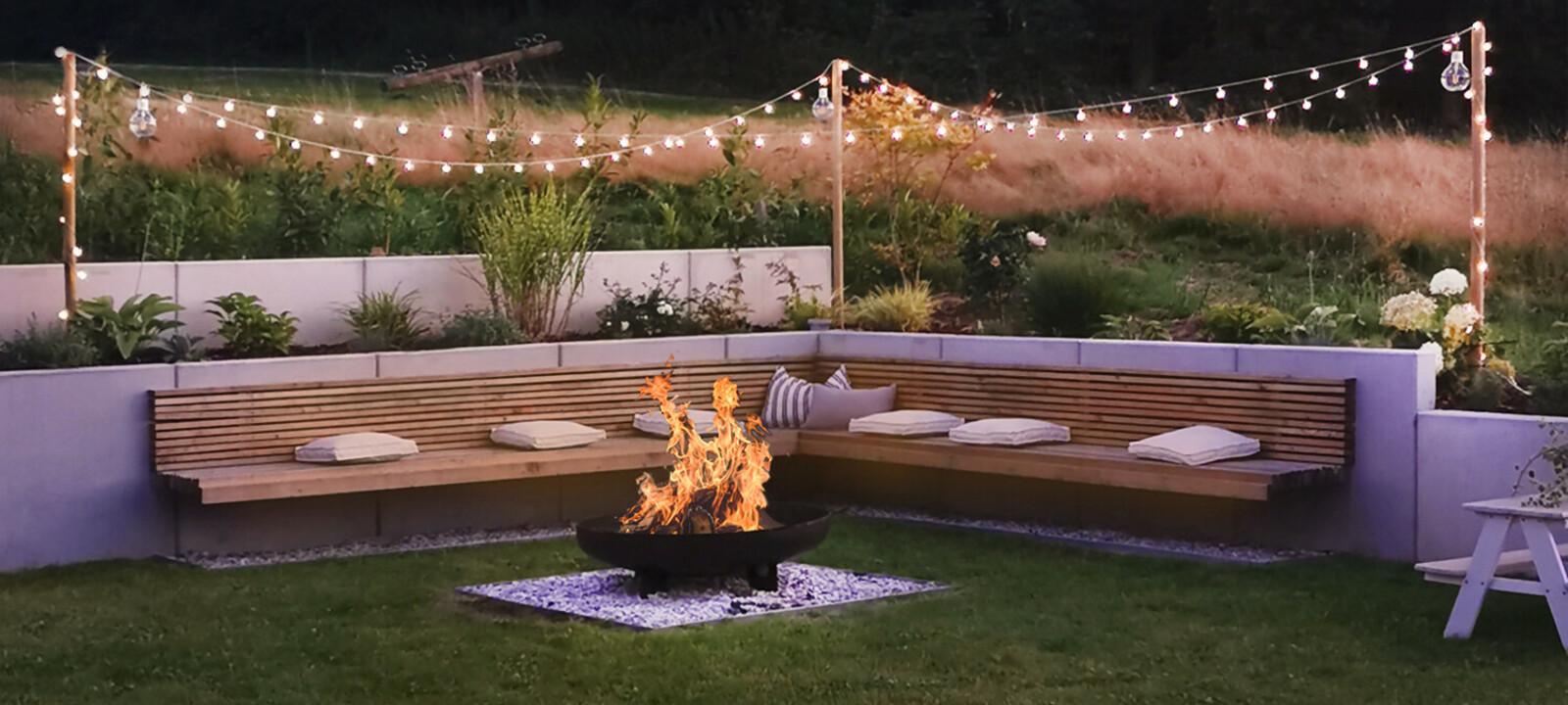 Sitzecke mit Feuerstelle Gartengestaltung